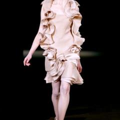 Foto 7 de 17 de la galería givenchy-alta-costura-primavera-verano-2010-una-coleccion-dominada-por-las-transparencias en Trendencias