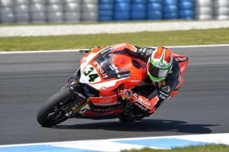 Superbikes Italia 2015: Davide Giugliano vuelve a la acción