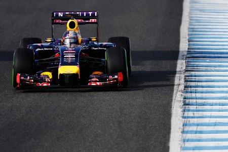 Red Bull ya prepara un RB10 'intermedio' con el que empezar la temporada