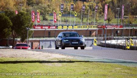 Audi Gama S y TT RS Plus, presentación y prueba en el Circuito del Jarama