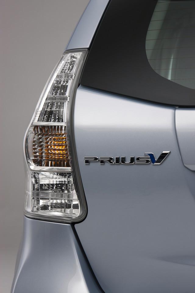 Foto de 2011 Toyota Prius v (54/77)