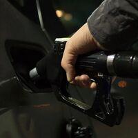 La gasolina y el diésel rozan precios máximos, avivados por una crisis energética que estamos pagando cara