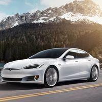 Elon Musk dice que sus robotaxis estarán listos este año