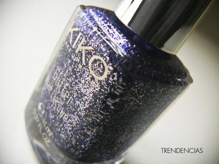 ¿Buscas un esmalte bueno, bonito y barato para Navidad? Probamos el Starry Indigo 407 de Kiko