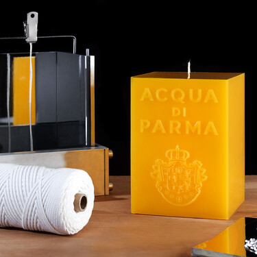 El proceso artesanal con el que se fabrican las velas más icónicas de Acqua de Parma