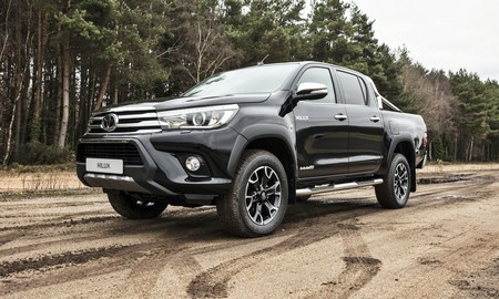 Toyota Hilux Invincible 50 Chrome 2018 2
