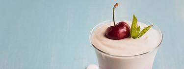 Postre tricolor de frutos rojos y helado, receta refrescante para días de calor