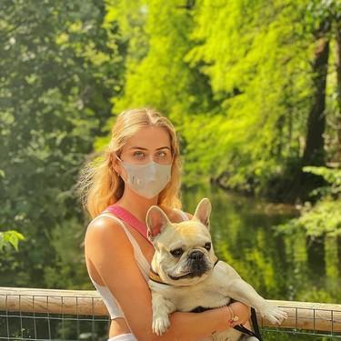 Granitos y otros problemas que surgen al usar mascarilla: los consejos de una dermatóloga y una farmacéutica para combatirlos