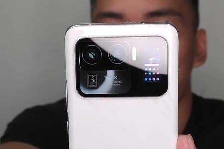 El Xiaomi Mi 11 Ultra se filtra con una enorme cámara con pantalla secundaria