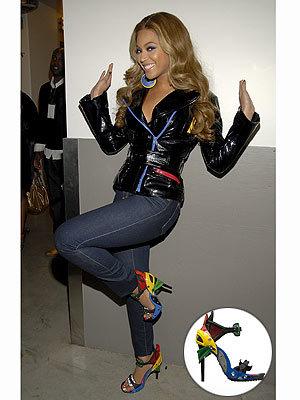 Beyoncé con las sandalias de Balenciaga