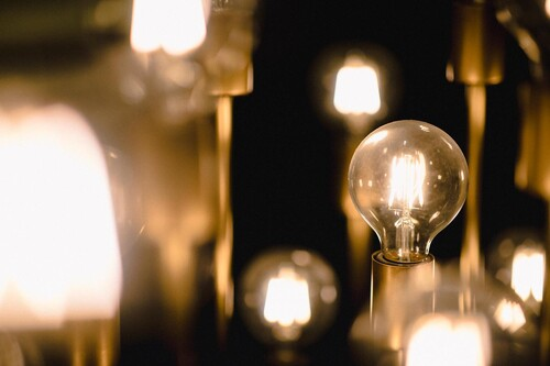 Así puedes comprobar si estás pagando más o menos con la nueva factura de la luz
