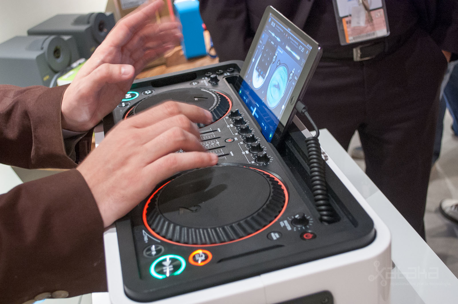 Foto de Philips M1X-DJ en IFA 2013 (1/6)