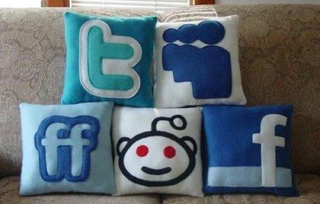 Cómo decora su sofá un aficionado a Internet