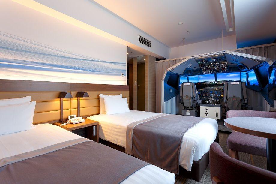 Este hotel en Japón cuenta con la primera habitación del mundo equipada con un increíble simulador de vuelo a escala real