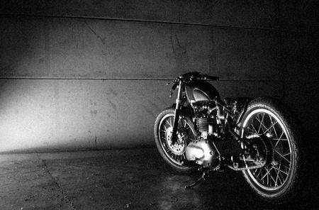 Old Empire Motorcycles, Pup Bobber británica 100%
