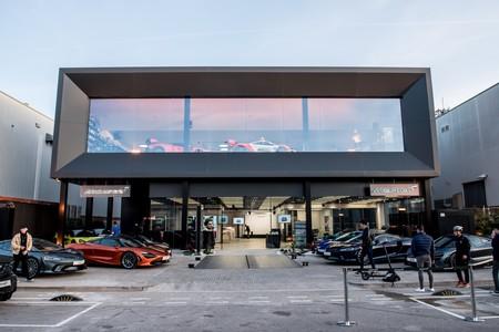 McLaren Barcelona vista exterior