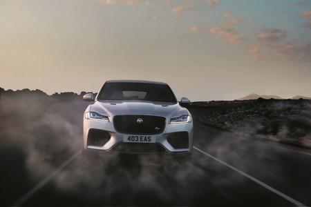 El Jaguar F-Pace SVR ruge con 550 hp para erizarnos la piel