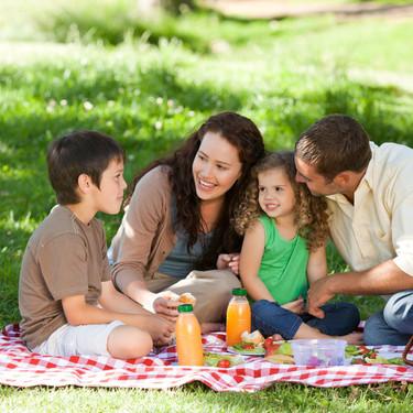13 recetas refrescantes y sencillas de preparar para disfrutar de un picnic al aire libre