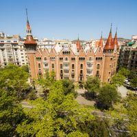 Tras más de 100 años de historia cerrada al público, la Casa de les Punxes (Barcelona) ya se puede visitar