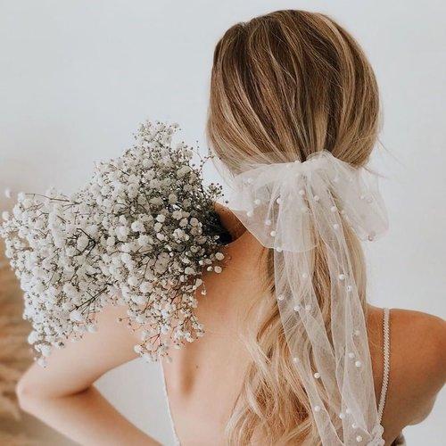 Novia o invitada: Coletas, trenzas, melenas sueltas... 21 peinados maravillosos para las bodas de otoño/invierno