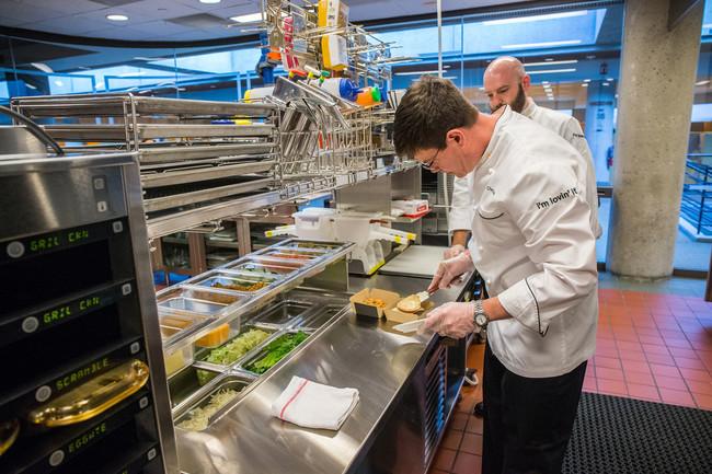 Cocina de un McDonald's. Imagen: McDonald's.