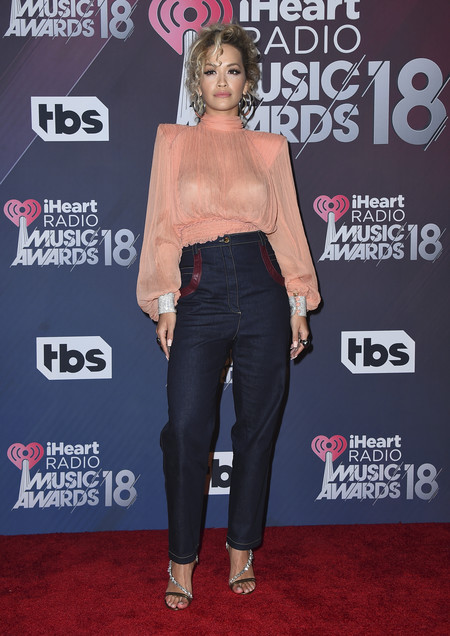 alfombra roja iheartradio music awards red carpet Rita Ora