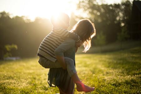 Niños al sol