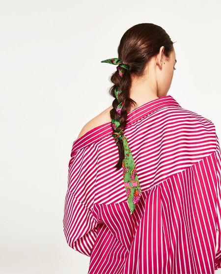 Este verano no puede faltar una bandana en tu cabeza, palabra de Zara