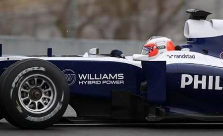 Rubens Barrichello marca el mejor tiempo de nuevo bajo la lluvia