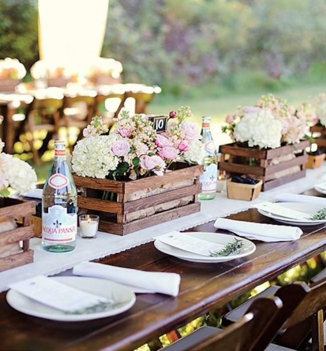 Las mejores mesas para las fiestas del fin del verano for Como decorar una mesa de jardin