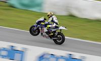 Rossi reta a Bayliss y competirán en Superbikes