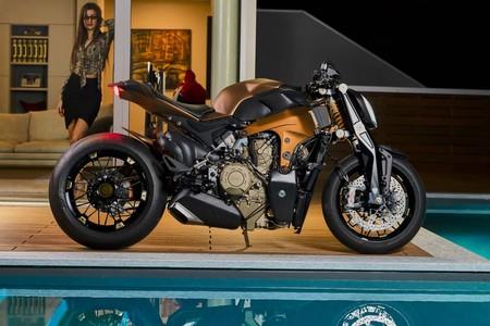Ducati Panigale V4 Penta Streetfighter 1