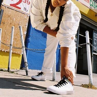 Si este otoño-invierno estabas buscando unas zapatillas Converse efecto piel blancas, nosotras las hemos encontrado rebajadas por ti
