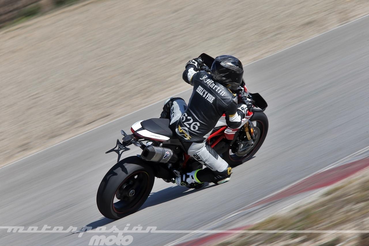 Foto de Ducati Hypermotard 939 SP - Motorpasión Moto (9/36)