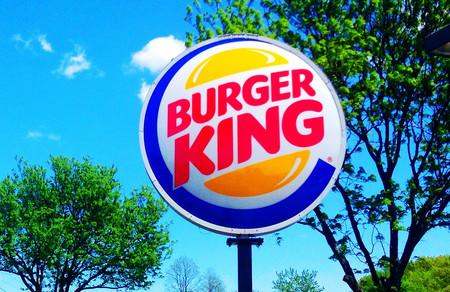 "No, Burger King no va a pasar a ser ""Burguer King"" en España. Es otra de sus habituales bromas"