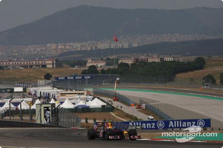 Sebastian Vettel logra la pole de Turquía en el último momento