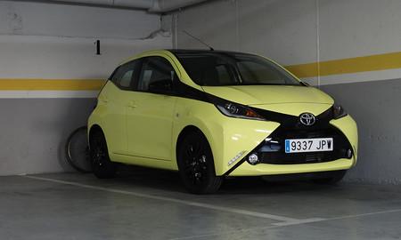 Parking Prueba Toyota Aygo Exterior