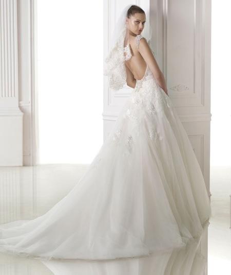 luce la espalda más radiante en un vestido de novia inolvidable