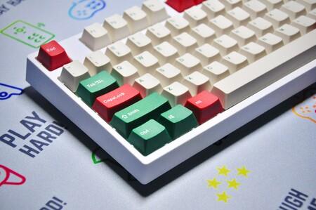 Cambiar a un teclado mecánico tras toda la vida usando teclados de membrana: un camino solo de ida