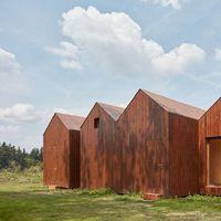 Mini casa inspirada en tradicionales cabañas de pescadores para escapar de la rutina