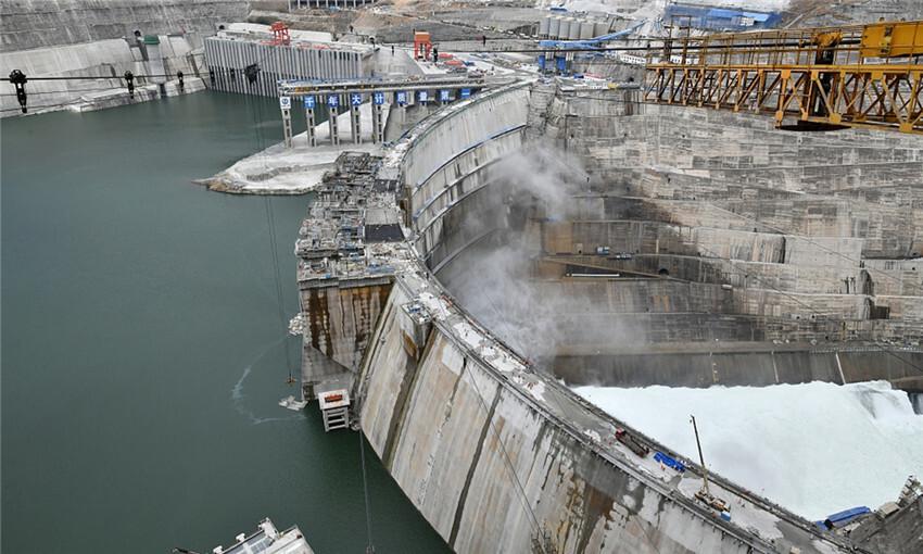 Baihetan es la presa de arco más grande del mundo y un monstruo energético para abastecer a 500.000 habitantes durante un año