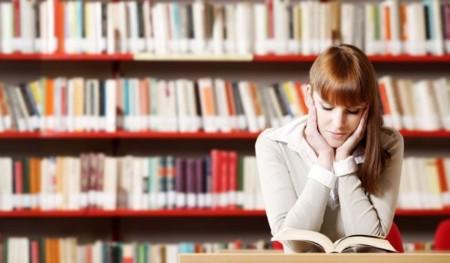 El sesgo persiste: las mujeres estudian más, pero se apartan de carreras técnicas