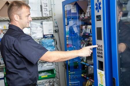 Máquinas expendedoras de periféricos para trabajadores: en Salesforce o Facebook un teclado se consigue de la misma forma que un snack