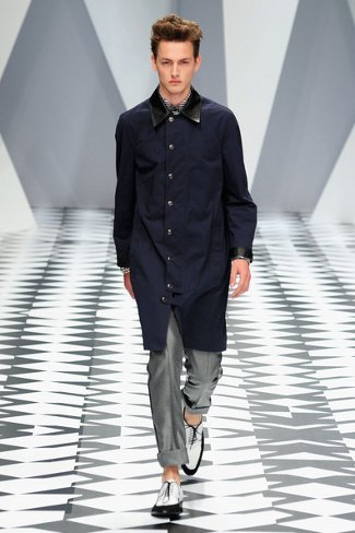 versacemilanfashionweekmenswear2011qgs6tesij7nl.jpg