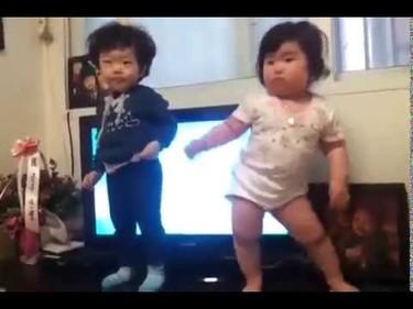 El vídeo de bebés del momento: un baile con mucho ritmo