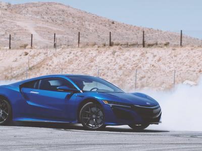 Video: 1 minuto de donas protagonizado por Katherine Legge y un Acura NSX