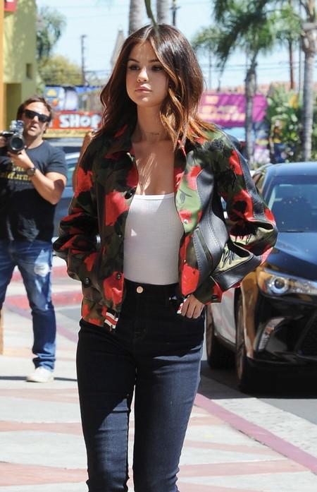 selena gomez look street style estilismo