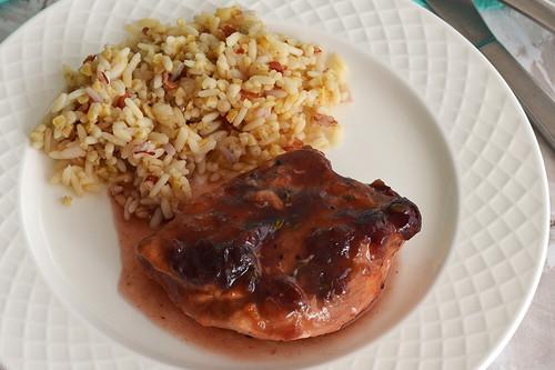 Pollo con salsa de arándanos y naranja. Receta en olla de cocción lenta