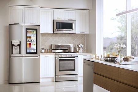 Si quieres prolongar la vida de tus alimentos, así debes organizar tu frigorífico