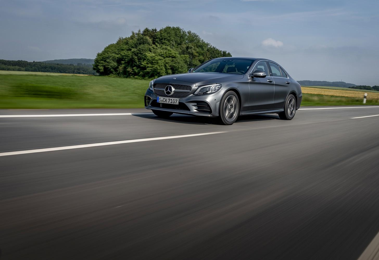Foto de Mercedes-Benz Clase C 2018, toma de contacto (94/255)